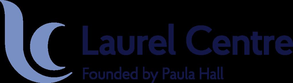 Logo Laurel Centre in blauwe letters, met links twee streepjes in licht blauw, als symbool voor experten in seksverslaving.